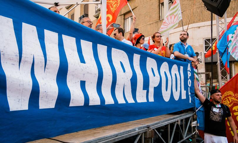 Whirlpool sciopero e blocco degli straordinari