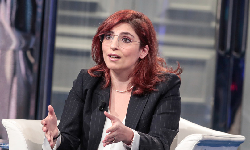 Laura Castelli full time dipendenti