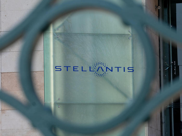 stellantis stop melfi