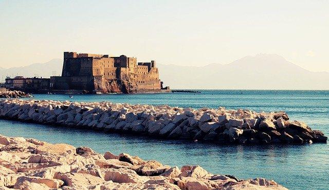 Turismo Napoli europeo Becultour Cnr Iriss